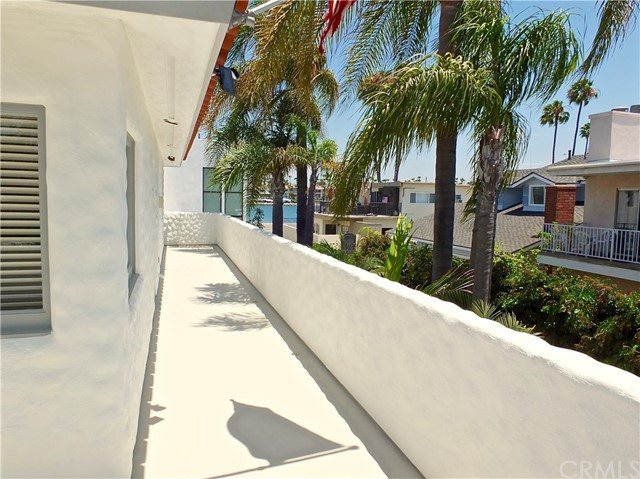 5297 Appian Way, Long Beach CA: http://media.crmls.org/medias/99133c53-e65c-4fb9-908c-d2daf848b1da.jpg