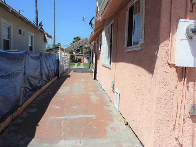 3890 3rd Ave, Los Angeles, CA 90008 photo 28