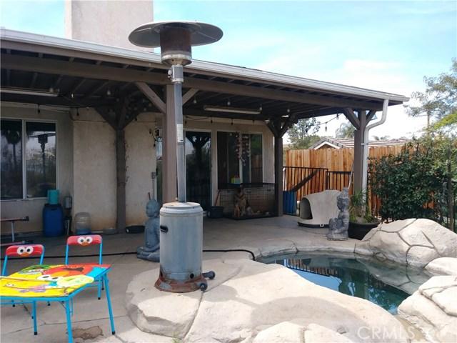 31382 Montgomery Avenue, Nuevo/Lakeview CA: http://media.crmls.org/medias/99208e54-b021-4f55-a100-4a064502729e.jpg