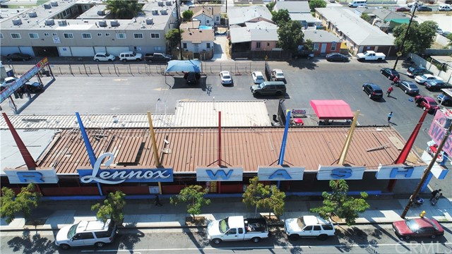 Retail for Sale at 10709 Hawthorne Boulevard 10709 Hawthorne Boulevard Inglewood, California 90304 United States