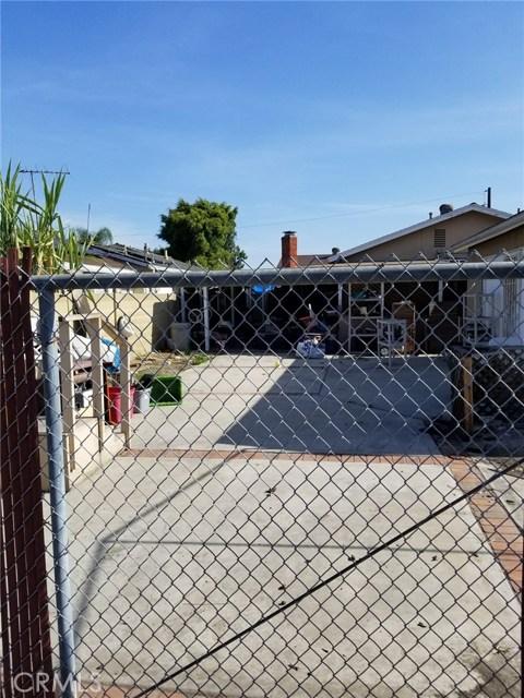 10911 Oak Street, Stanton CA: http://media.crmls.org/medias/994e1018-b86d-4800-8cfc-b7320b7966d2.jpg