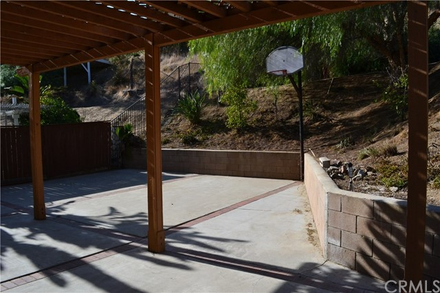494 Wellington Circle, Corona CA: http://media.crmls.org/medias/99589642-bfc3-449c-9b0f-f27455ab1a43.jpg