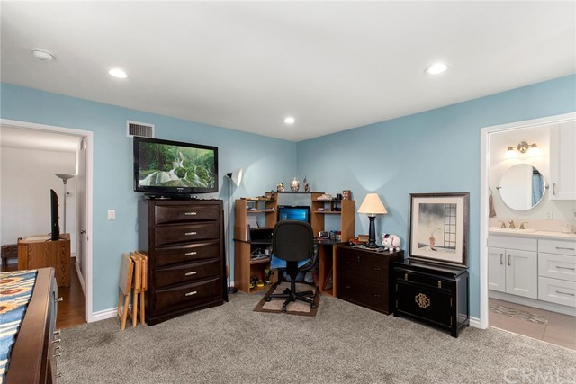 2168 W Clover Av, Anaheim, CA 92801 Photo 16