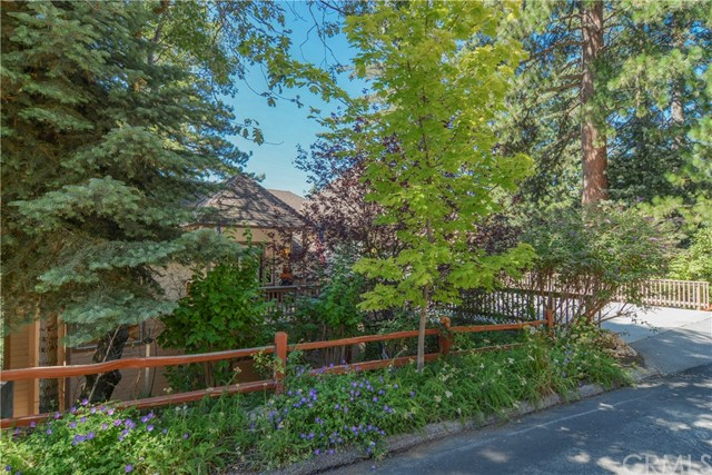 259 Squirrel Drive Lake Arrowhead, CA 92352 - MLS #: EV17180889