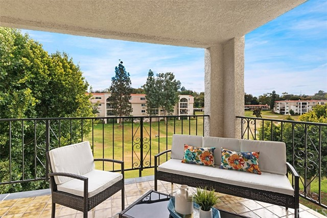5518 Paseo Del Lago East Unit 2A Laguna Woods, CA 92637 - MLS #: OC18050730