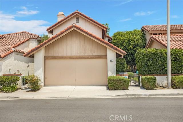 23 Varesa, Irvine CA: http://media.crmls.org/medias/9973f69b-d699-4735-980f-cbd04f030c2f.jpg