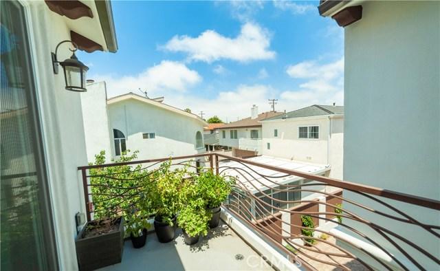 2110 Ernest Avenue, Redondo Beach CA: http://media.crmls.org/medias/99796706-4d23-40ef-a8c4-ba5c685bbaef.jpg