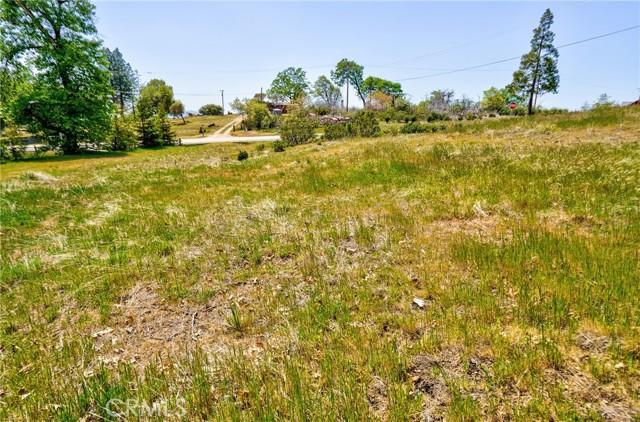 52830 Pine Drive, Oakhurst CA: http://media.crmls.org/medias/997ca16c-1085-41cc-968c-7de7ad2548d2.jpg