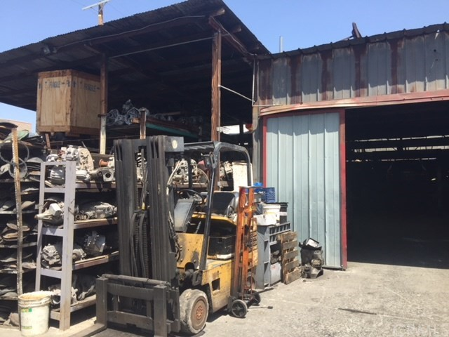 1623 Compton Av, Los Angeles, CA 90021 Photo 27