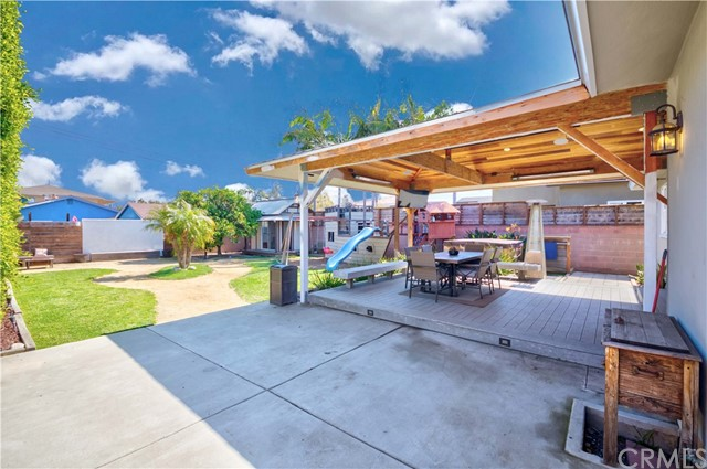 1740 Hickory Avenue, Torrance, California 90503, 3 Bedrooms Bedrooms, ,2 BathroomsBathrooms,Single family residence,For Sale,Hickory,SB21041765
