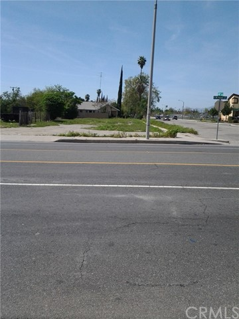 Single Family for Sale at 1098 Mount Vernon Avenue N San Bernardino, California 92411 United States