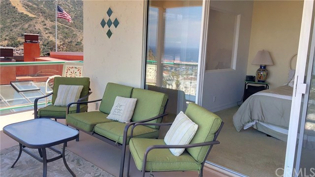 316 E Whittley Avenue Unit 4 Avalon, CA 90704 - MLS #: PW18096906