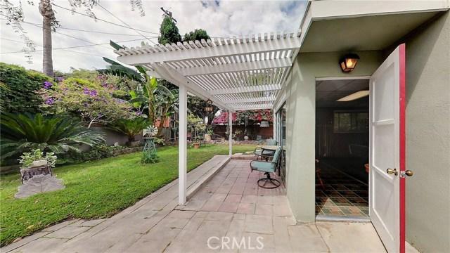 5207 Fidler Avenue, Lakewood CA: http://media.crmls.org/medias/999333ae-3eac-477b-8c53-b7bcf2bf6388.jpg