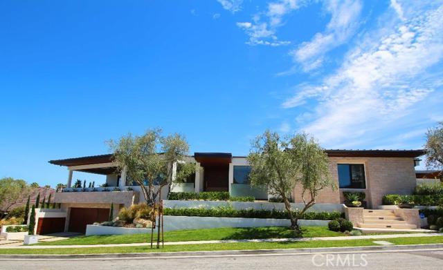 Single Family Home for Rent at 4512 Roxbury St Corona Del Mar, California 92625 United States