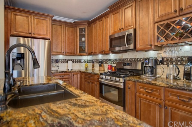3632 Alhambra Lane, Perris CA: http://media.crmls.org/medias/99965ffe-0e53-4a70-a634-3318ba63d46d.jpg