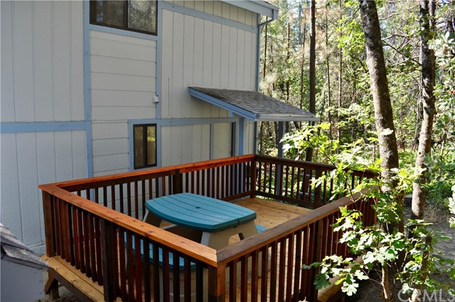 54668 Blue Gill, Bass Lake CA: http://media.crmls.org/medias/99bc2bce-3062-44d6-83ff-c2468cd486ec.jpg