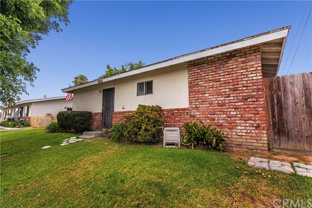 17521 Jefferson Lane Huntington Beach, CA 92647 is listed for sale as MLS Listing IG17163148