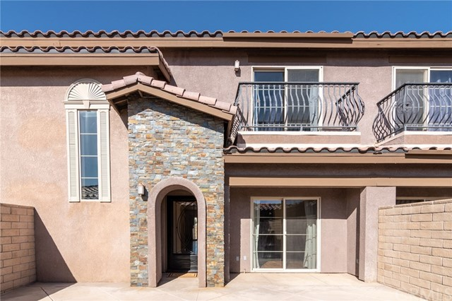 14176 Kiowa Road, Apple Valley CA: http://media.crmls.org/medias/99ce857c-774f-40ca-a756-7d76625a47de.jpg