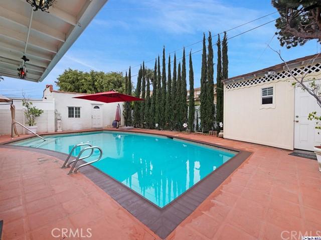 511 Galer Place, Glendale CA: http://media.crmls.org/medias/99d855a1-8539-4f7f-af6d-c9c8f0029996.jpg