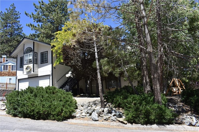 5227 Desert View Drive Wrightwood, CA 92397 - MLS #: IV18088426