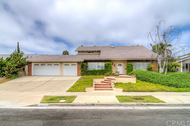 1922 Suva Circle, Costa Mesa, CA 92626