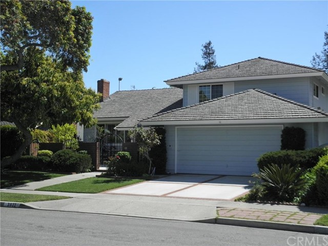 Single Family Home for Sale at 3932 Denwood St Los Alamitos, California 90720 United States