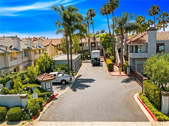 4752 Tiara Drive Unit 102 Huntington Beach, CA 92649 - MLS #: OC18164569