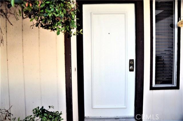2448 Flora Street, West Covina CA: http://media.crmls.org/medias/9a21730a-3e48-4e36-8f93-fac8270f49e7.jpg