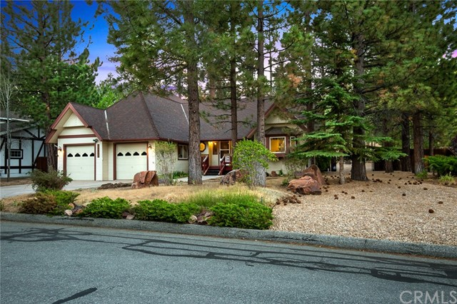 42355 Heavenly Valley Road, Big Bear CA: http://media.crmls.org/medias/9a26104b-bf38-4d8f-bacc-22f25fc3a422.jpg