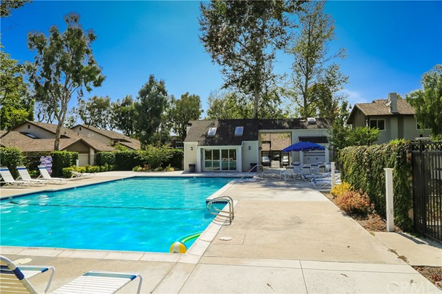 17086 Mount Lomina Court, Fountain Valley CA: http://media.crmls.org/medias/9a2a853f-7b12-4689-817b-8492856df48d.jpg