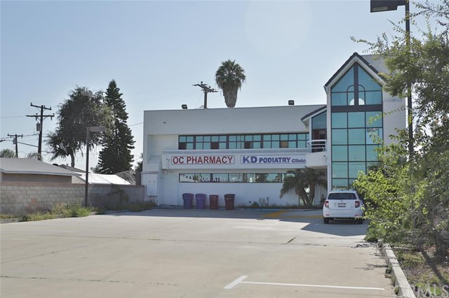 Retail for Sale at 13701 Beach St Westminster, California 92683 United States