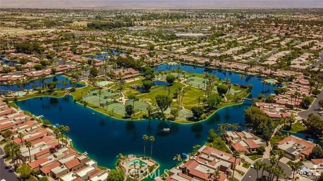 186 Desert Lakes Drive, Rancho Mirage CA: http://media.crmls.org/medias/9a4c20d5-0976-4e4b-8fa6-18c186cb0219.jpg
