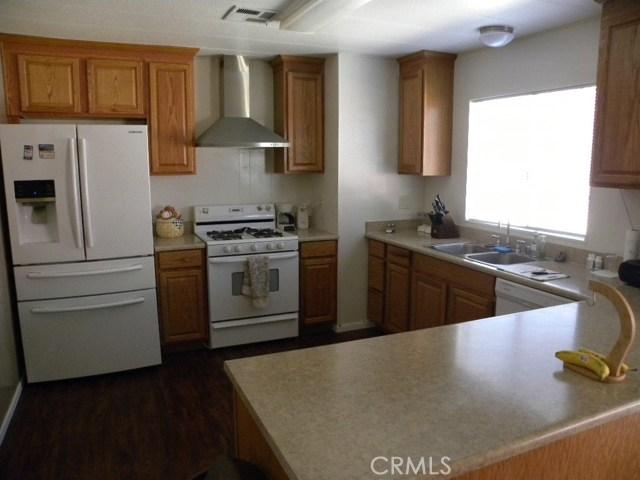 40897 Laredo, Cherry Valley CA: http://media.crmls.org/medias/9a66deb7-9d4b-4e37-9266-1823e334d810.jpg