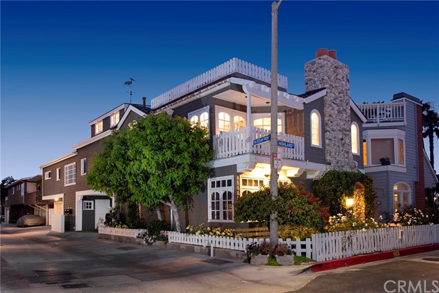 107 Highland Street, Newport Beach, California 92663, ,Residential Income,For Sale,Highland,NP21081150