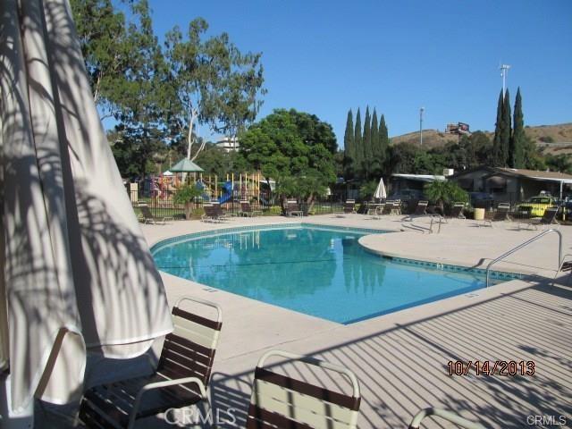 4901 Green River Road, Corona CA: http://media.crmls.org/medias/9a80e996-55b8-4673-b0d0-eefe2266a7a1.jpg