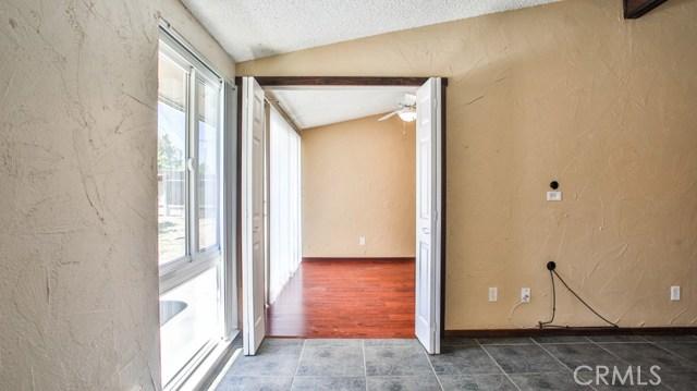 8944 Haskell Street, Riverside CA: http://media.crmls.org/medias/9a896393-1a61-47fd-bc2a-b24e2f1e3271.jpg