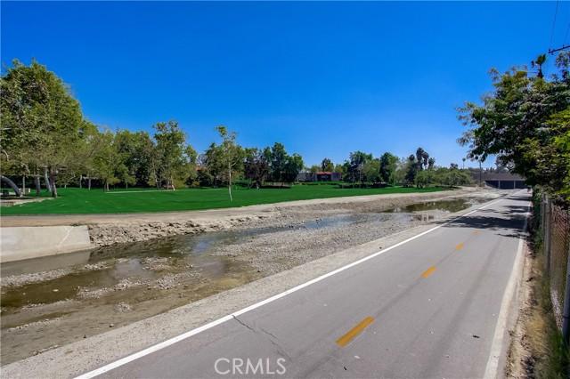 24312 Twig Street, Lake Forest CA: http://media.crmls.org/medias/9a98d915-0aa3-48d6-b123-b29709db3c64.jpg