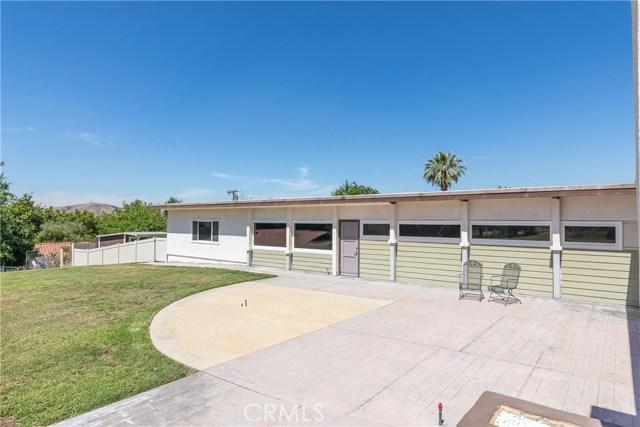 5566 N Mountain View Avenue, San Bernardino CA: http://media.crmls.org/medias/9aa30994-bf9c-4c6c-aede-b33382273cf7.jpg