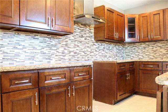 7126 Lurline Avenue, Winnetka CA: http://media.crmls.org/medias/9aaa3b88-abea-482b-965f-30d589d66dfc.jpg
