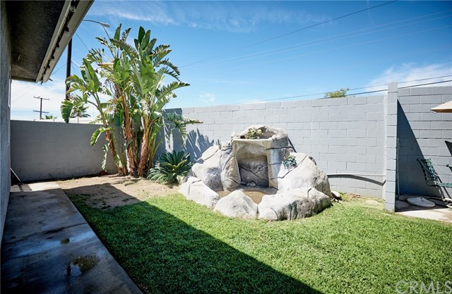 1406 E Ralston Avenue, San Bernardino CA: http://media.crmls.org/medias/9ab37c3d-2fe3-477e-8942-e5745d3a8542.jpg