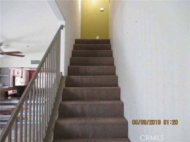 412 Tava Lane, Palm Desert CA: http://media.crmls.org/medias/9acf9017-125b-49c8-8914-353af7c452d5.jpg