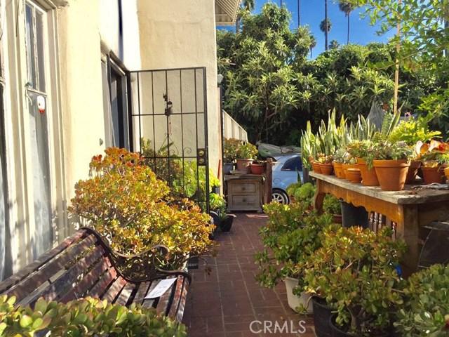 230 N Berendo St, Los Angeles, CA 90004 Photo 2