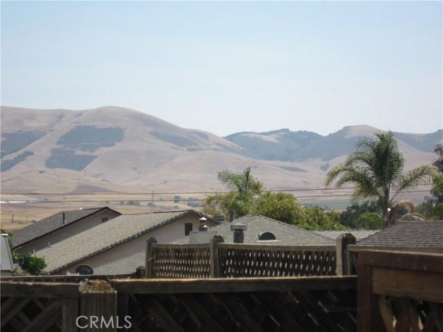 558 Margie Place, Nipomo CA: http://media.crmls.org/medias/9ae5c68f-74ed-47bf-8522-03adde38e6f3.jpg