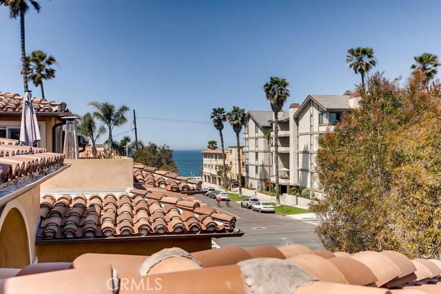 200 Avenue C, Redondo Beach CA: http://media.crmls.org/medias/9afdeda4-c998-42c5-8ff4-284d722143ae.jpg