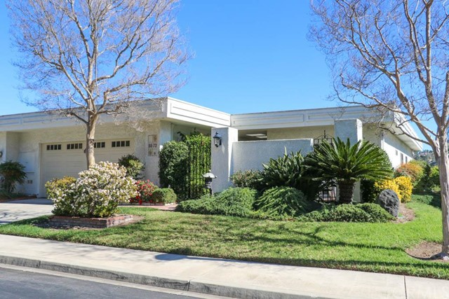 Condominium for Sale at 5572 Luz Del Sol St # B Laguna Woods, California 92637 United States