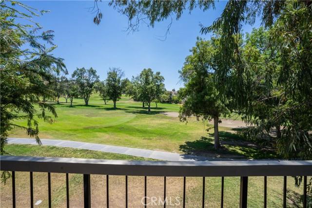1525 Walnut Leaf Drive, Walnut CA: http://media.crmls.org/medias/9b04b022-a08f-474d-a07e-0232060bacb3.jpg