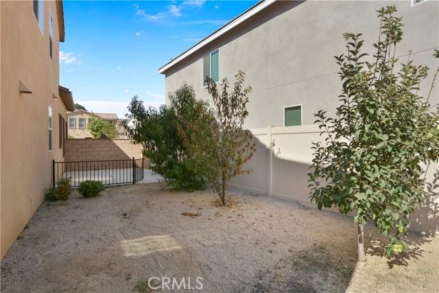 11377 Hutton Road, Corona CA: http://media.crmls.org/medias/9b1fd5e2-208c-4515-86a4-262fe989fdf5.jpg