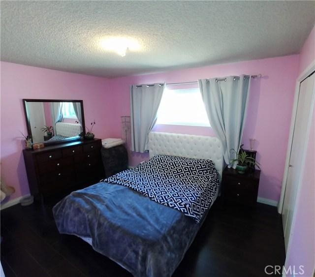 386 Deborah Court, Upland CA: http://media.crmls.org/medias/9b20f7a4-c11b-427c-a6e0-f8a58a2a3ff8.jpg