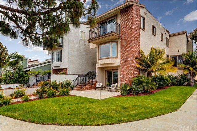 202  Memphis Avenue, Huntington Beach, California