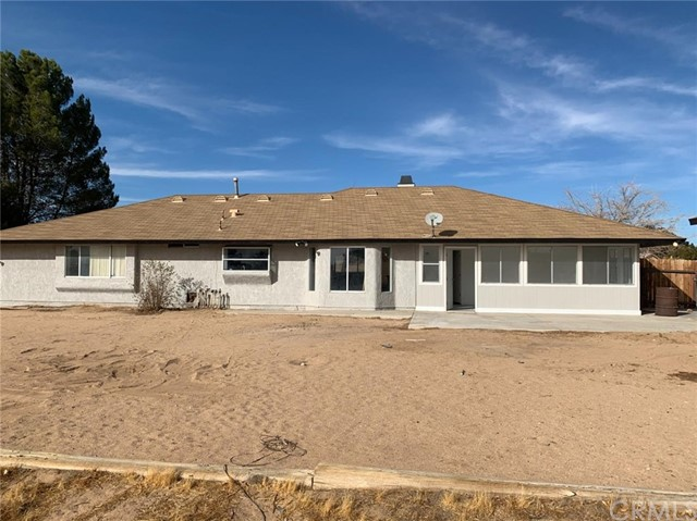 15361 Mondamon Road Apple Valley CA 92307